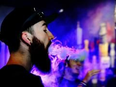 电子烟喜好者们对烟雾的追逐重塑了烟的形象(图文)